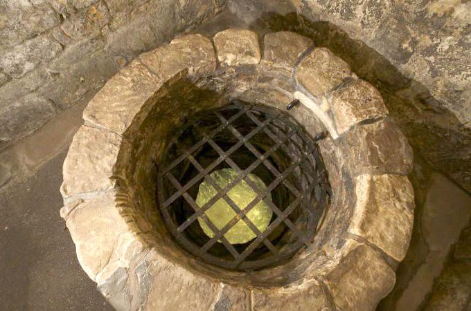 bottle dungeon St Andrews Castle